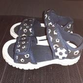 Босоножки на липучках Bobbi Shoes, разм. 25 (17 см ст.) Сост. очень хорошее!