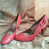 Шикарные женские туфли лодочки Gucci Италия. Размер 37 - 24 см.