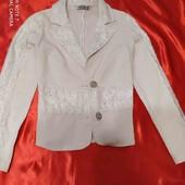 Пиджачек с кружевом