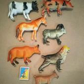 Семь больших фигурок домашних животных