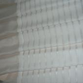 Готовый белый шифон с декоративным низом из флока и фатина. Высота 180см, ширина 255см.