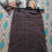 Скидка УП-10%.Стильная юбка с боковым разрезом от Idma. размер 42/44