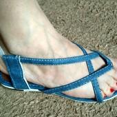 Качественные босоножки через пальчик под джинс. Турция.