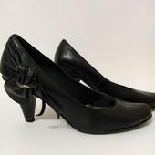 Кожаные женские туфли, р.39. Стелька 25.5-26 см.