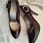 Шикарные женские туфли лодочки Gucci, производитель Италия. Размер 38-24.3 см