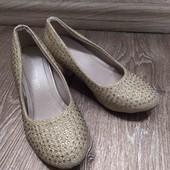 туфли золотые в камнях