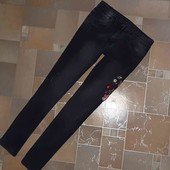 Стильные джинсы с вышивкой на рост 158 см