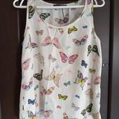 Фирменная красивая блуза в бабочки р.12-14 отличное состояние