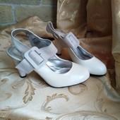 Лот 3 пары сразу! Женские туфли Chanel, производитель Франция. р.38-23,7 см.