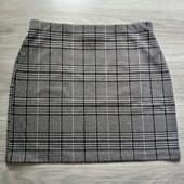 Фирменная красивая трикотажная юбка р.14-16 в отличном состоянии.