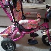 Яркий детский велосипед!
