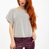 Шикарная структурная блузка с удлиненной спинкой,Болгария,полубатал. Размер: 46 48 50