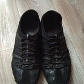 Кроссовки Skechers в хорошем состоянии