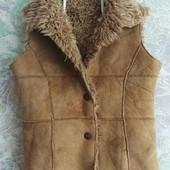 Модная тёплая жилетка
