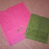 Два махровых полотенца одним лотом
