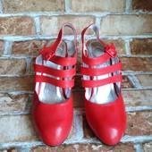 Лот 2 пары! Женские туфли Chanel, производитель Франция. р.38-23,7 см.