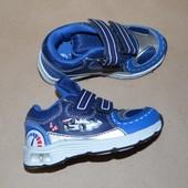 * Кросівки Impidimpi 23, блимають при ходьбі