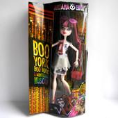 Шарнирная кукла Дракулаура Monster High Boo York, boo york монстер хай дракулаура бу йорк
