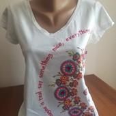 футболка в отличном состоянии, размер 44-46
