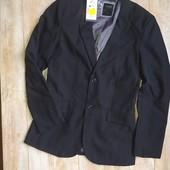 Пиджак для мальчика модного пошыва 152см