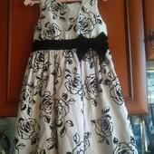 Обалденные платье TU для девочки 5-6 лет в отличном состоянии.