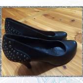 круті чорні жіночі туфлі розмір 36
