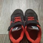 Кроссовки на мальчика фирма Nike