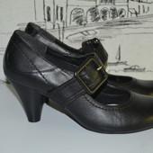 Туфлі Clarks 36(4) розмір . Натуральна шкіра .