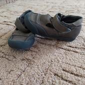 Босоніжки-туфлі шкіряні