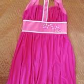Очень красивое платье 42-44 укр размер