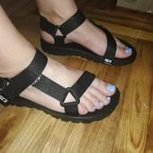 Женские спорт сандалики, супер легкие и удобные на каждый день
