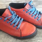 Яркие, крутые ботинки 42р