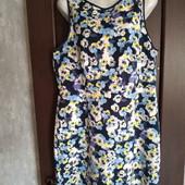 Фирменное красивое платье в отличном состоянии р.16