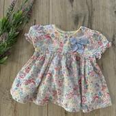 Платье на девочку 6-12 месяцев. В хорошем состоянии.