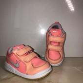 Оригинальные яркие кроссовки Nike, стелька 14 см, по этикетке 13 см.