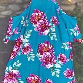 Цветочное платье с открытыми плечиками