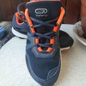 Классные кроссовки,36(23,5см)