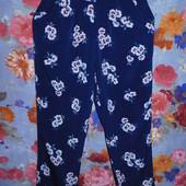 Классные брюки р-р 46 в отличном состоянии.