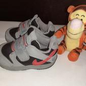 Серые кроссовки Nike, разм. 20 (10,5 см по бирке, реально 13 см ст.)