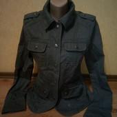 Лёгкая котоновая курточка в стиле милитари Clockhouse, оригинал. Состояние отличное.