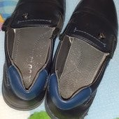 Две пары туфель мальчику стелька 19 см