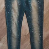 очень классные джинсы(новые)смотрите фото и описание