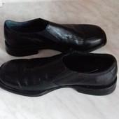 Продат фирменные туфли. Полностью кожа. Голландия. Отличное состояние. Стелька 27,5см.