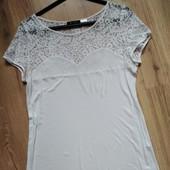 Очень красивая, нежная блузка в идеале. 48-50 р.