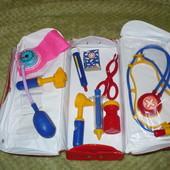 игрушечный набор для юных докторов