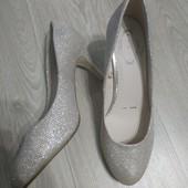 Шикарные идеальные туфельки, р.39 стелька 25-25.5 см
