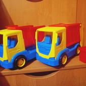 Мусоровоз с баком и грузовик Wader.