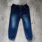 Фирменные джинсы на 3 года в хорошем состоянии