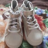 модные ботинки -кеды