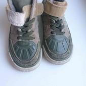 комбинированные кроссовки Adidas р-р евро 25, UK 7.5, стелька 16см